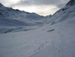 Blick ins Val Maighels, ganz hinten Passo Bornengo und rechts davon Piz Alo