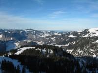 Blick über den Mittleren Bregenzerwald zum Bodensee wo sich wieder zäher Nebel hält!