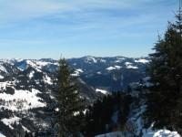 Blick nach Nordosten ins Allgäu bis hin zum Grünten bei Sonthofen.