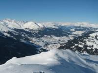 Blick nach Norden hinab ins Oberhalbstein mit Savognin. Schöner Blick ins Herzen vom Surselva.