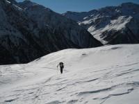 Volker begeistert von der herrlichen Landschaft. Im Hintergrund das Valle Upia.
