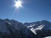 Herrliche Bedingungen lenken von der täuschend schlechten Schneebedingung ab.
