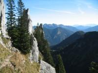 Der Blankenstein ist gerade einmal eine recht schmale Felswand.