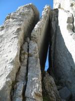 Die imposante Steinformation ganz aus der Nähe.