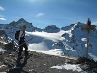 Volker auf der Sesvenna Furka, es folgt eine kurze Abfahrt zum Fuße des Sesvenna Gletschers.