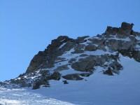 Ein junges Südtiroler Pärchen bereits bei der Kraxlerei am Grat hinauf zum Piz Sesvenna.