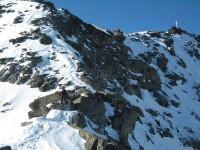 Die Gipfelkreuz immer näher.