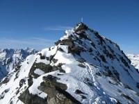 Die letzten Meter hinauf zum Gipfel und die geniale Abfahrtsvariante ganz rechts.