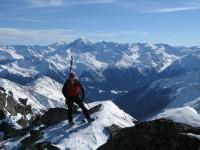 Grandioser Aufstieg. Im Hintergrund der Ortler und links der Cevedale und Zufallsspitze.