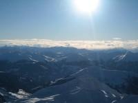 Blick nach Westen in die Schweiz wo die angekündigten Schneewolken schon Position eingenommen haben.