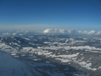 Blick über den tief verschneiten Bregenzerwald nach Norden.