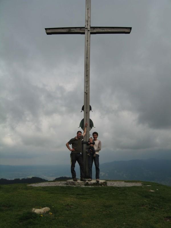 Volker, Max und Ich das erste mal gemeinsam am Gipfel. Hier am Zwiesel 1348m.